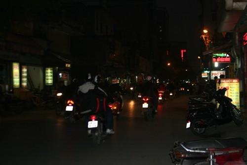 Dòng người đổ về Hà Nội sau kỳ nghỉ Tết dương kéo dài - anh 16