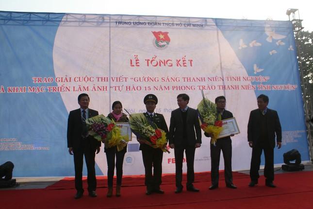 """Phóng viên Ngày Nay online đạt giải cuộc thi viết: """"Gương sáng thanh niên tình nguyện"""" - anh 4"""