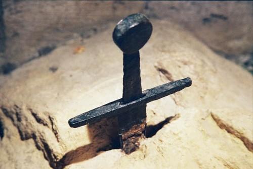 Huyền thoại về thanh gươm cắm ngập trong đá của San Galgano - anh 5