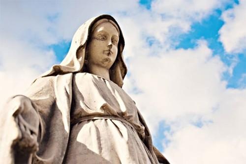 10 hiện tượng tôn giáo kỳ lạ nhất trên thế giới - anh 4