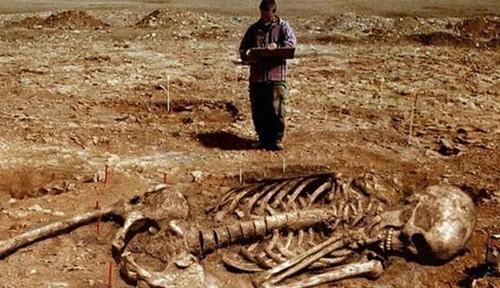 Thực hư những hộp sọ khổng lồ nơi thung lũng Chết - anh 4