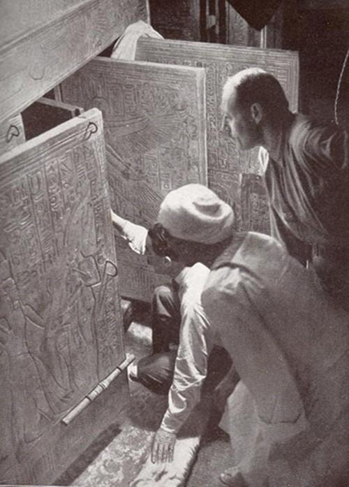 Rùng rợn lời nguyền chết chóc từ những lăng mộ Pharaoh - anh 2