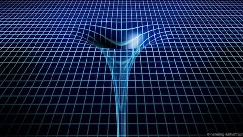 """Rơi vào lỗ đen vũ trụ sẽ tạo """"cái chết ảo giác""""? - anh 2"""