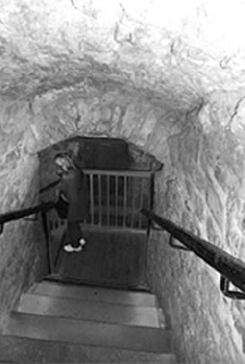 Tiếng kèn ghê rợn vang khắp lâu đài ở Scotlen - anh 2