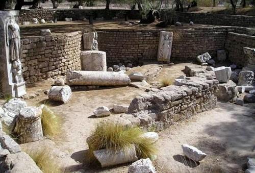 Bí mật động trời về 100 ngôi mộ cổ trẻ sơ sinh La mã - anh 1