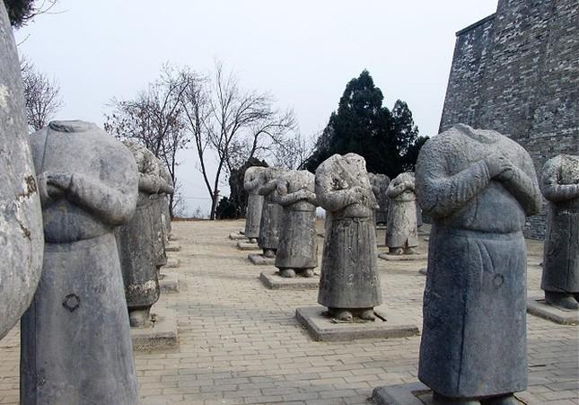 Thực hư 800 tấn kho báu trong lăng mộ nữ hoàng Võ Tắc Thiên - anh 27