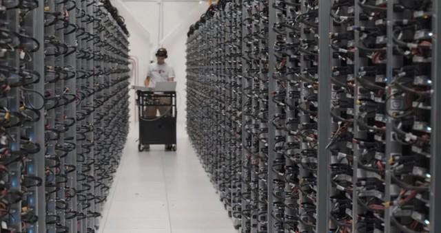 Khám phá bên trong trung tâm dữ liệu khủng lồ của google - anh 9