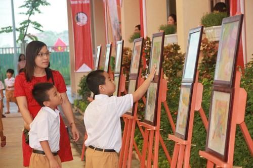 Khai giảng năm học 2015-2016: Đầy đủ nhẹ nhàng cho các em học sinh - anh 18
