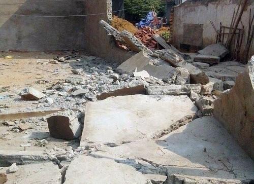 """Bản tin """"113+"""": Tường sập đè chết 2 người; Thiếu 10.000 đồng thiếu nữ 12 tuổi mất đời con gái - anh 1"""