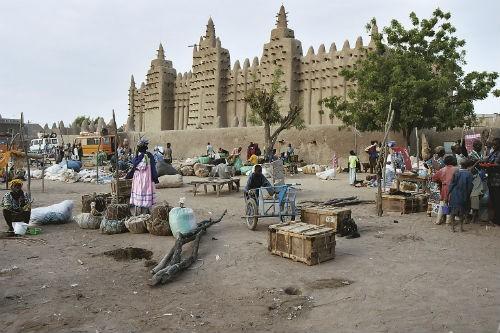 Khám phá vẻ đẹp thâm trầm của những thành phố cổ Unesco vinh danh - anh 5
