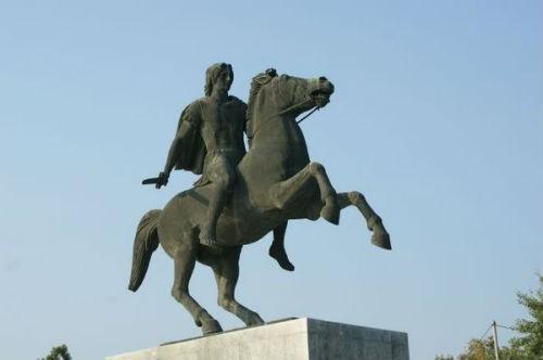 Hé lộ thông tin báu vật về ngôi mộ cổ thời Alexander Đại đế - anh 5