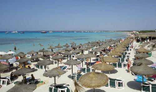 Bỏng mắt với 8 bãi biển khỏa thân sexy nhất châu Âu - anh 4