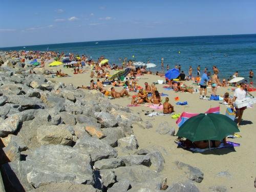 Bỏng mắt với 8 bãi biển khỏa thân sexy nhất châu Âu - anh 3