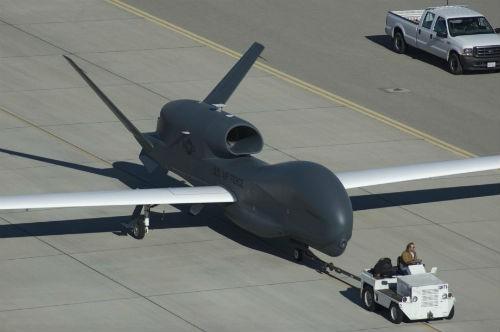 Những vũ khí siêu hạng Mỹ khiến IS khiếp sợ - anh 1