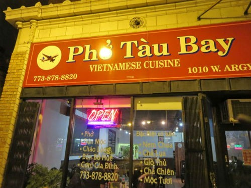 'Nức lòng' những tiệm phở Việt nổi tiếng trời Tây - anh 1