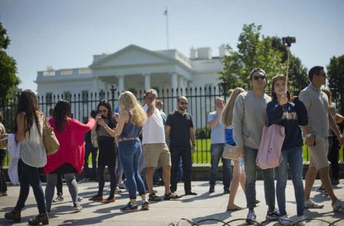 Những vụ đột nhập Nhà Trắng khiến mật vụ Mỹ 'bẽ mặt' - anh 5