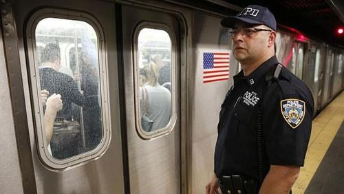 IS lên kế hoạch tấn công tàu điện ngầm ở Mỹ và Pháp - anh 3