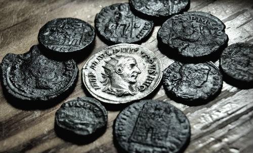 Phát hiện kho báu chứa 22 nghìn đồng xu La Mã cổ - anh 4