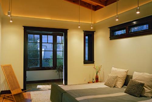 Cách sử dụng đèn phòng ngủ giúp tình cảm vợ chồng thêm mặn nồng - anh 3