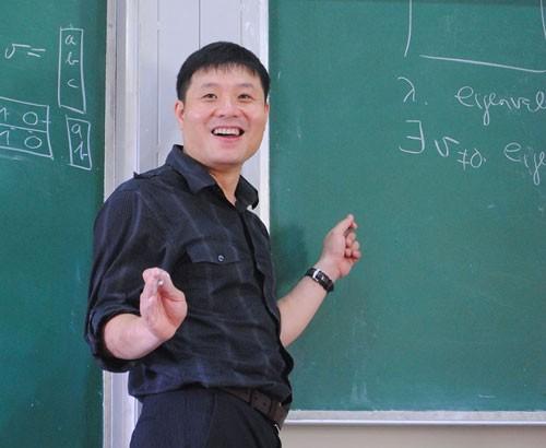 Nỗi niềm của nhà toán học Việt đang giảng dạy đại học ở Mỹ - anh 1