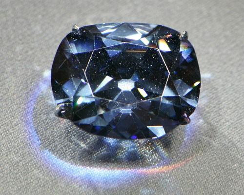 Bí ẩn hành trình 300 năm chết chóc của viên kim cương xanh Hy vọng - anh 2