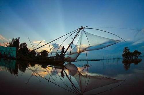 """Chiêm ngưỡng tác phẩm """"Dệt lưới đánh cá"""" lọt top tại Triển lãm về môi trường Anh - anh 4"""