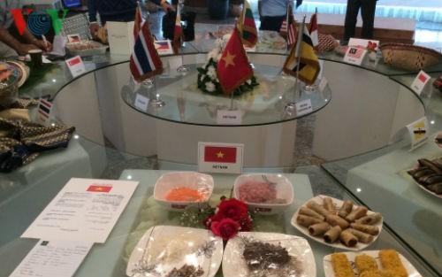 """Ẩm thực Việt """"khoe hương sắc"""" trong ngày Asean Food tại Ai Cập - anh 1"""