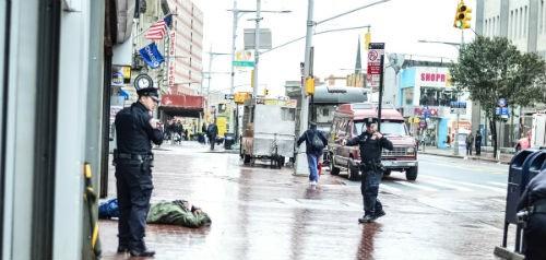 Mỹ thắt chặt an ninh chống khủng bố toàn liên bang sau vụ tấn công Canada - anh 4