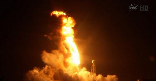 Chùm ảnh: Tàu tiếp tế cho Trạm Vũ trụ Quốc tế nổ tung xác pháo - anh 3