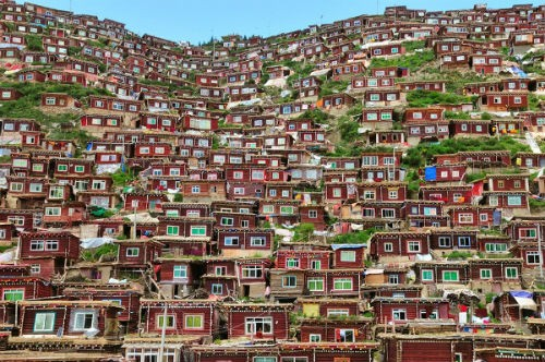 Những ngôi làng hấp dẫn đến mê hoặc nhất trên thế giới - anh 10