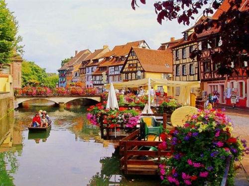 Những ngôi làng hấp dẫn đến mê hoặc nhất trên thế giới - anh 13