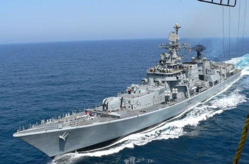 Chìm tàu hải quân Ấn Độ, 5 người thương vong - anh 1