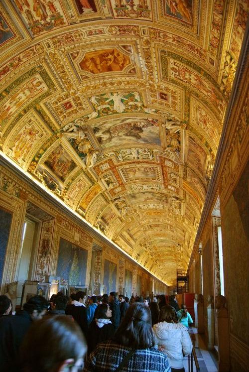 Khám phá nét bí ẩn đầy hấp dẫn của tòa thánh Vatican - anh 12
