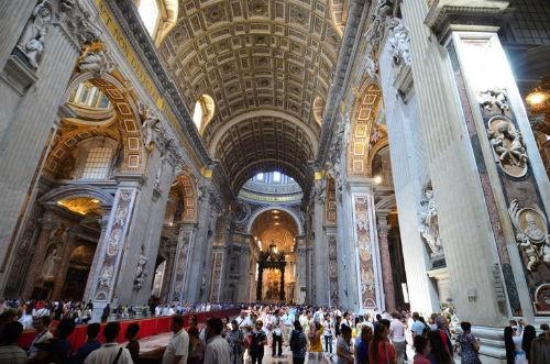 Khám phá nét bí ẩn đầy hấp dẫn của tòa thánh Vatican - anh 13