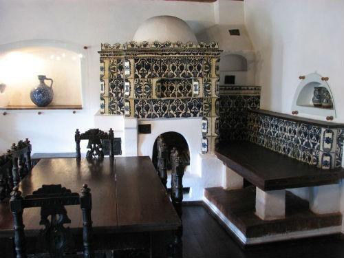 Khám phá bí mật bên trong tòa lâu đài Bá tước Dracula - anh 19