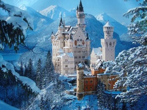 Khám phá bí mật bên trong tòa lâu đài Bá tước Dracula - anh 2