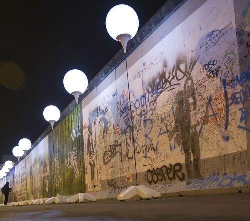 Thủ đô Đức lấp lánh sau 25 năm ngày 'Bức tường Berlin' sụp đổ - anh 11
