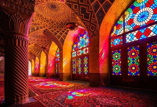 Tuyệt phẩm đẹp ngỡ ngàng bên trong nhà thờ Hồi giáo trên thế giới - anh 1