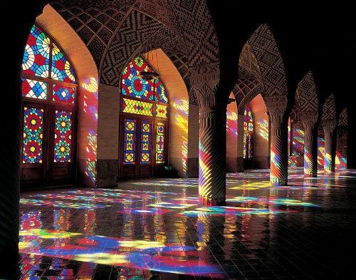 Tuyệt phẩm đẹp ngỡ ngàng bên trong nhà thờ Hồi giáo trên thế giới - anh 2