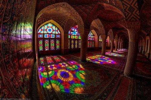 Tuyệt phẩm đẹp ngỡ ngàng bên trong nhà thờ Hồi giáo trên thế giới - anh 3