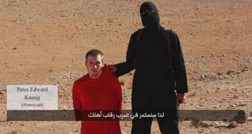 Những nạn nhân bị khủng bố IS chặt đầu một cách man rợ - anh 2