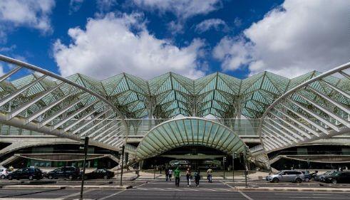 Ngắm vẻ đẹp ngỡ ngàng của 10 nhà ga trên toàn thế giới - anh 6