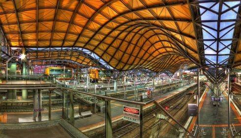 Ngắm vẻ đẹp ngỡ ngàng của 10 nhà ga trên toàn thế giới - anh 4