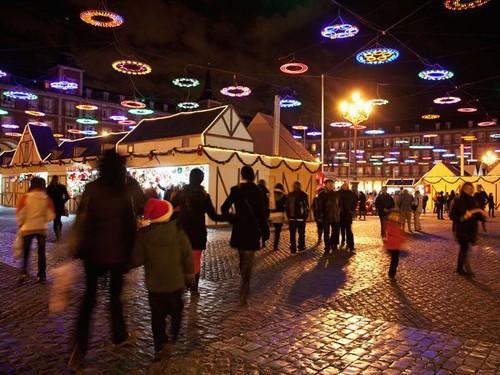 10 bữa tiệc ánh sáng ảo diệu nhất trến thế giới - anh 5