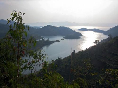 9 hồ nước 'tử thần' nguy hiểm nhất hành tinh - anh 7