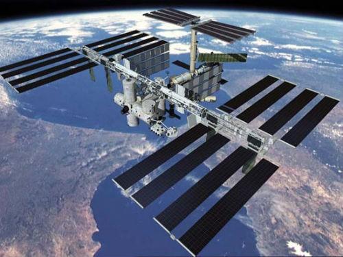 Bữa tiệc mừng Lễ Tạ ơn có '1-0-2' của phi hành gia trên Trạm ISS - anh 1