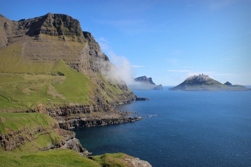 Khám phá vẻ đẹp nguyên sơ của ngọc đảo Faroe qua những trải nghiệm kỳ thú - anh 7