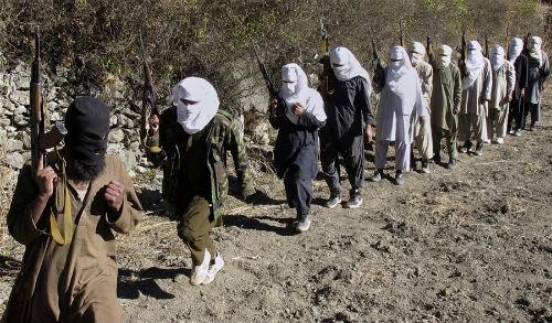 Khủng bố Taliban tấn công Đại sứ quán Anh, 38 người thương vong - anh 2
