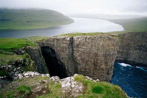 Khám phá vẻ đẹp nguyên sơ của ngọc đảo Faroe qua những trải nghiệm kỳ thú - anh 2