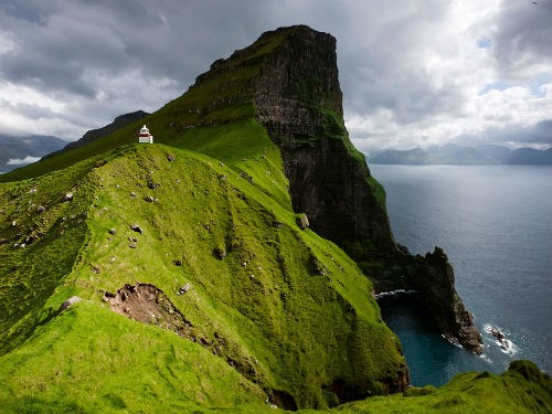 Khám phá vẻ đẹp nguyên sơ của ngọc đảo Faroe qua những trải nghiệm kỳ thú - anh 3